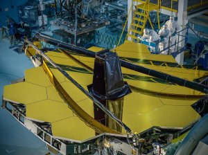 James Webb Space Telescope primary mirror fully assembled / Image courtesy of NASA