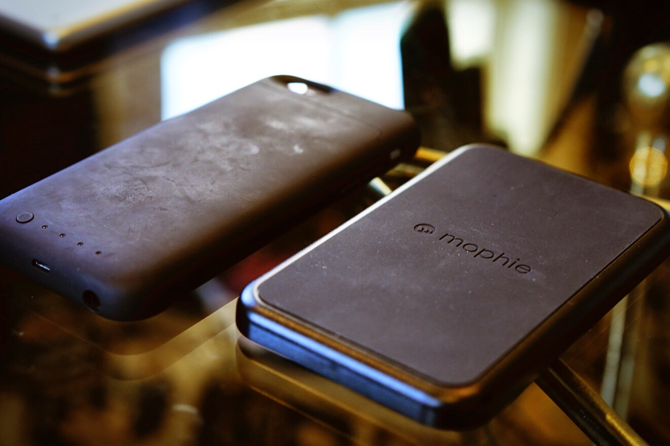 best authentic 7b220 08d48 Hands on with the Mophie Charge Force wireless charging system ...