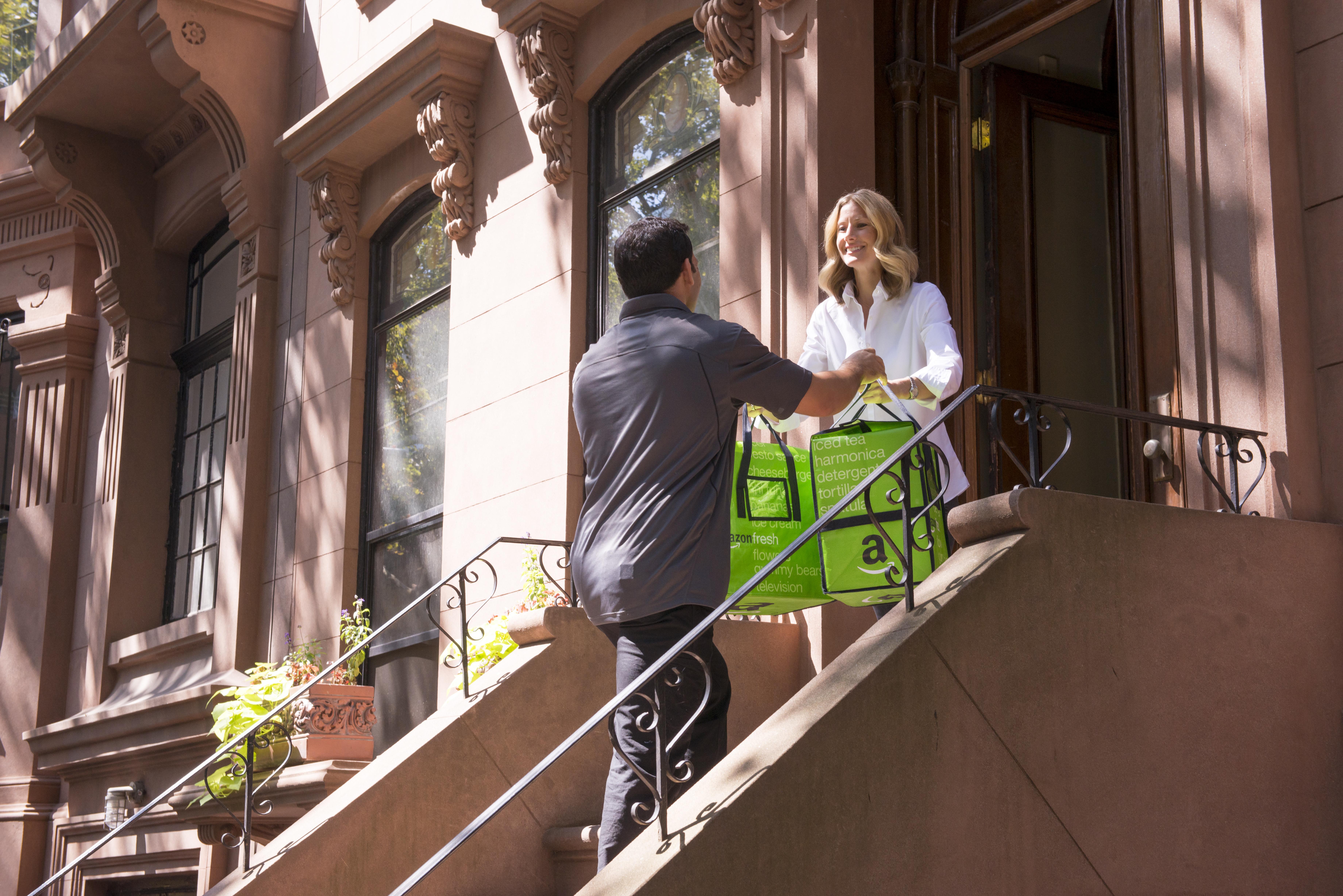 AmazonFresh, Amazon's grocery delivery service, wakes back