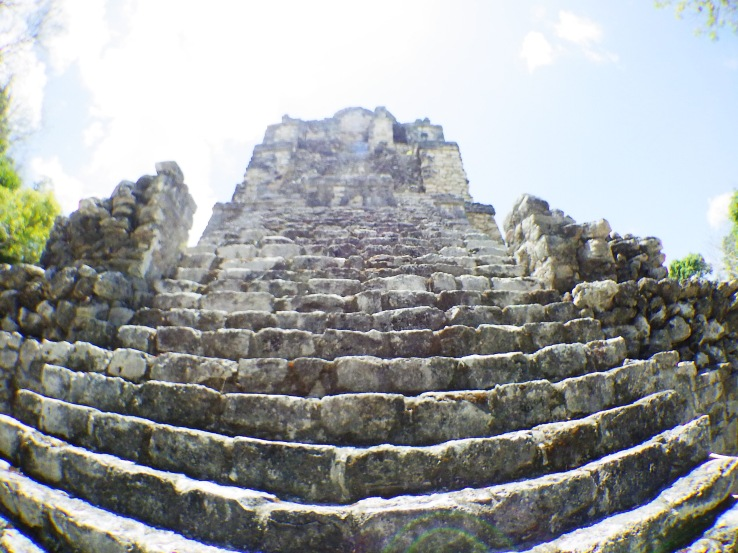 Photographing a Mayan ruin with the WG-M2 is impossible; it doesn't have the dynamic range to deal with the differences in brightness, and the wide angle lens completely distorts the view.