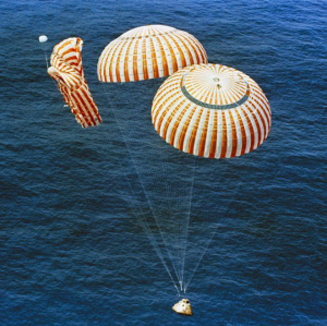 Failed parachute during Apollo 15 / Image courtesy of NASA