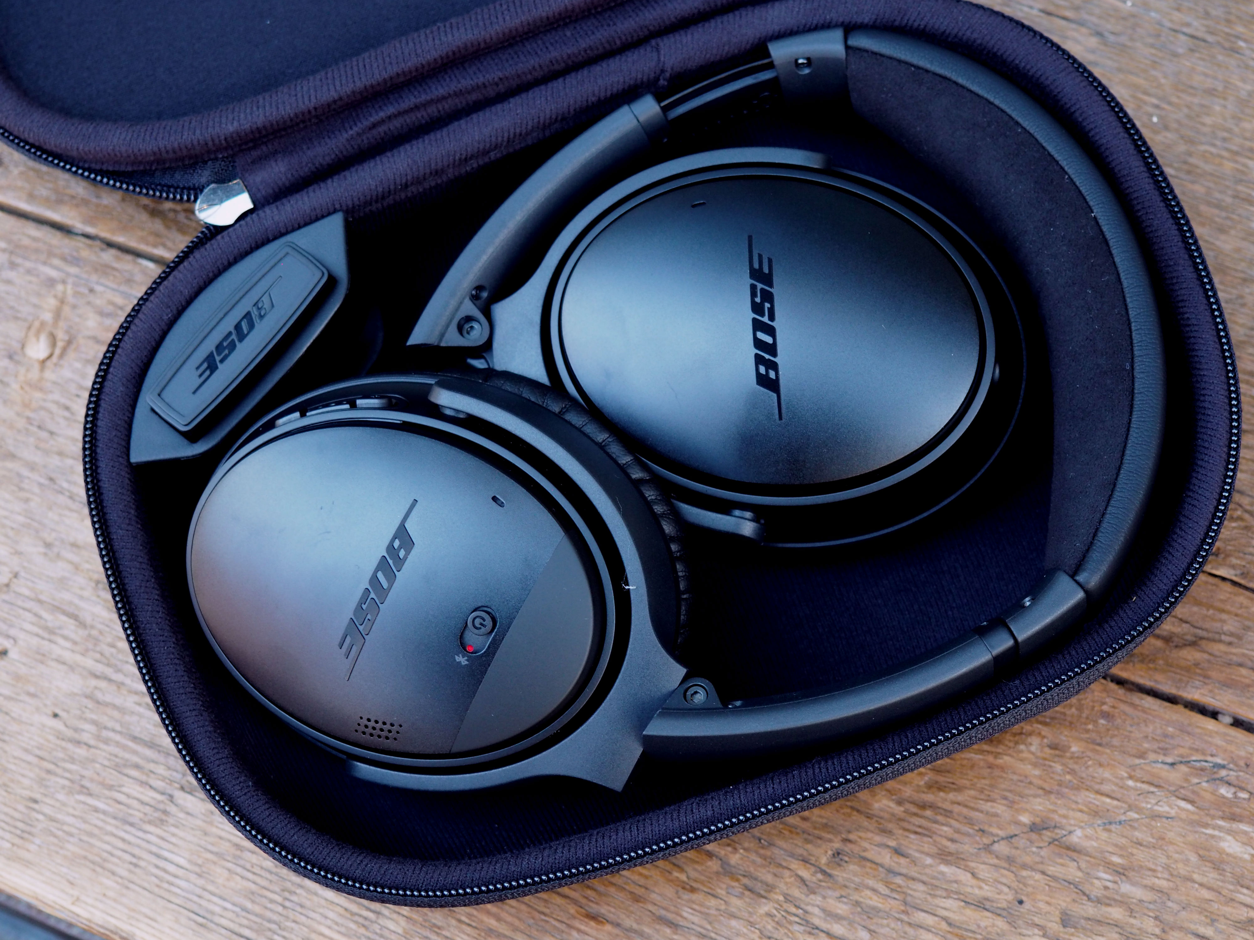 Bose's QuietComfort headphones go wireless without missing a