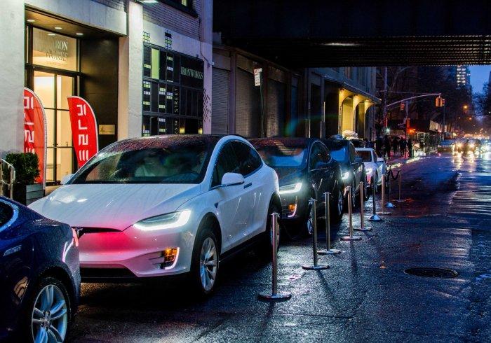 Tesla Sharing