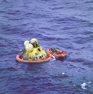 Apollo 11 crew landing in the Pacific Ocean / Image courtesy of NASA