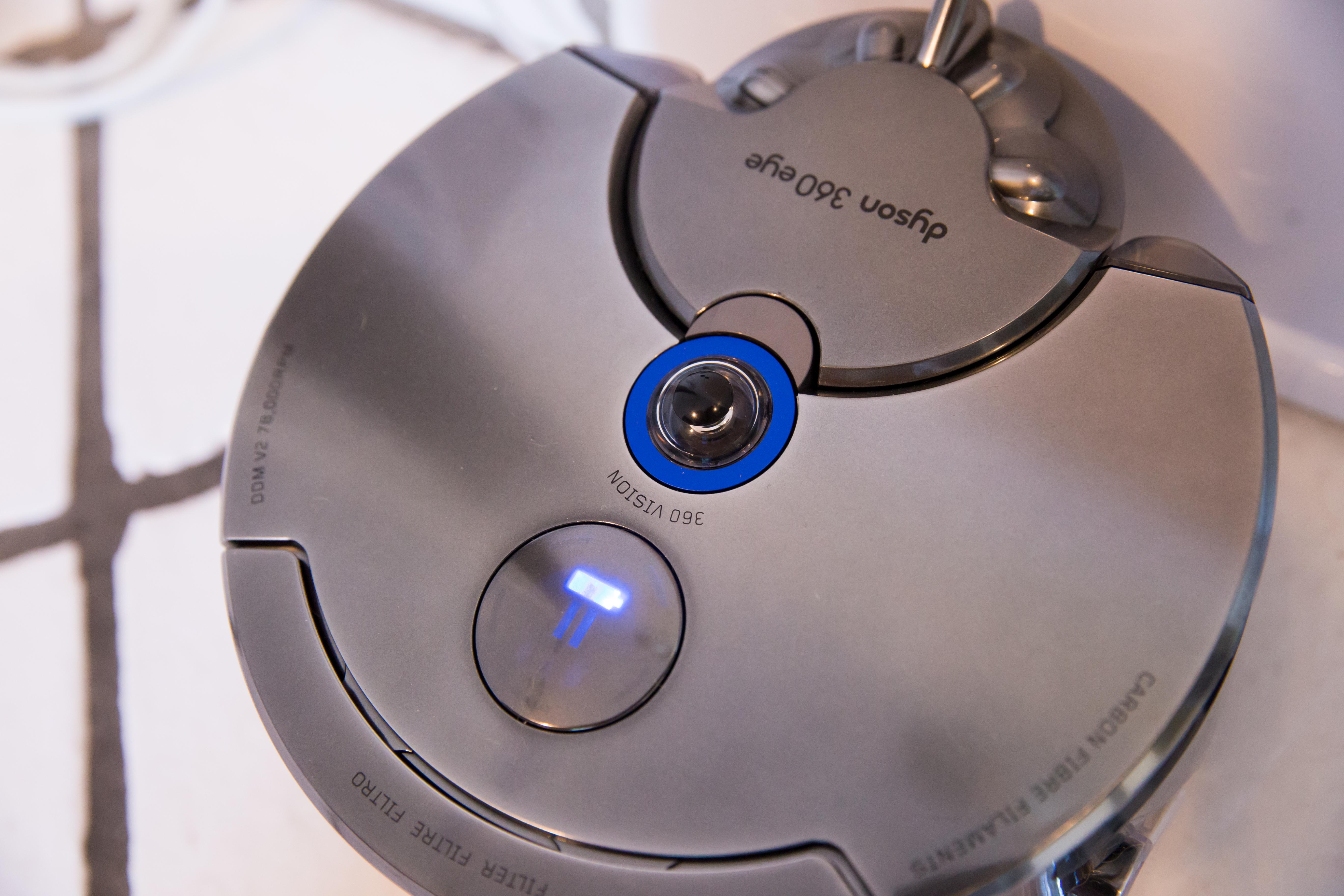 dyson-360-eye-1