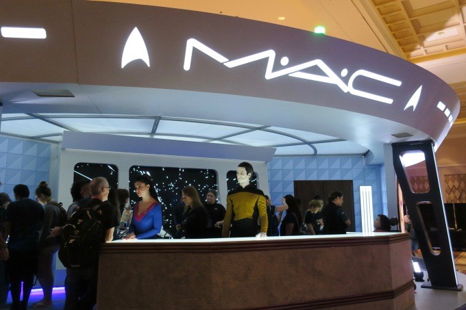 Mac booth