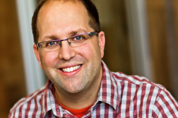 With an eye for what's next, longtime operator and VC Josh Elman gets pulled into Apple thumbnail