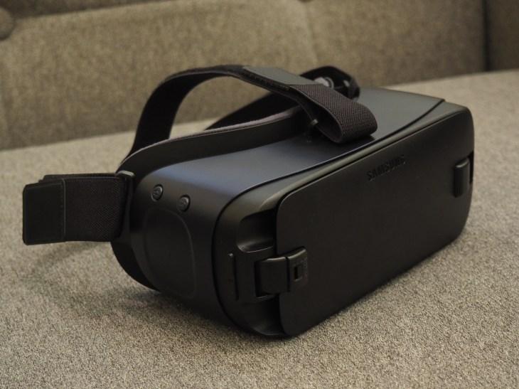 Samsung's Gear VR headset gets an upgrade   TechCrunch