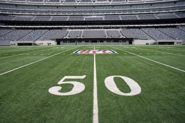 The NFL and Verizon's new streaming deal will bring games to all mobile carriers – TechCrunch