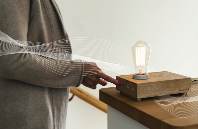 At its minimalist worst the Balldur is a cool-looking l&. It\u0027s made of smooth wood and ceramic and has a bulb that would make Thomas Edison proud. & The multi-functional Balldur is a Swiss Army lamp | TechCrunch