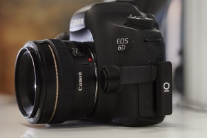 The little thingie marked 'IQ' is a prototype of Foolography's Unleashed. In this case, the version for Canon's EOS 6D