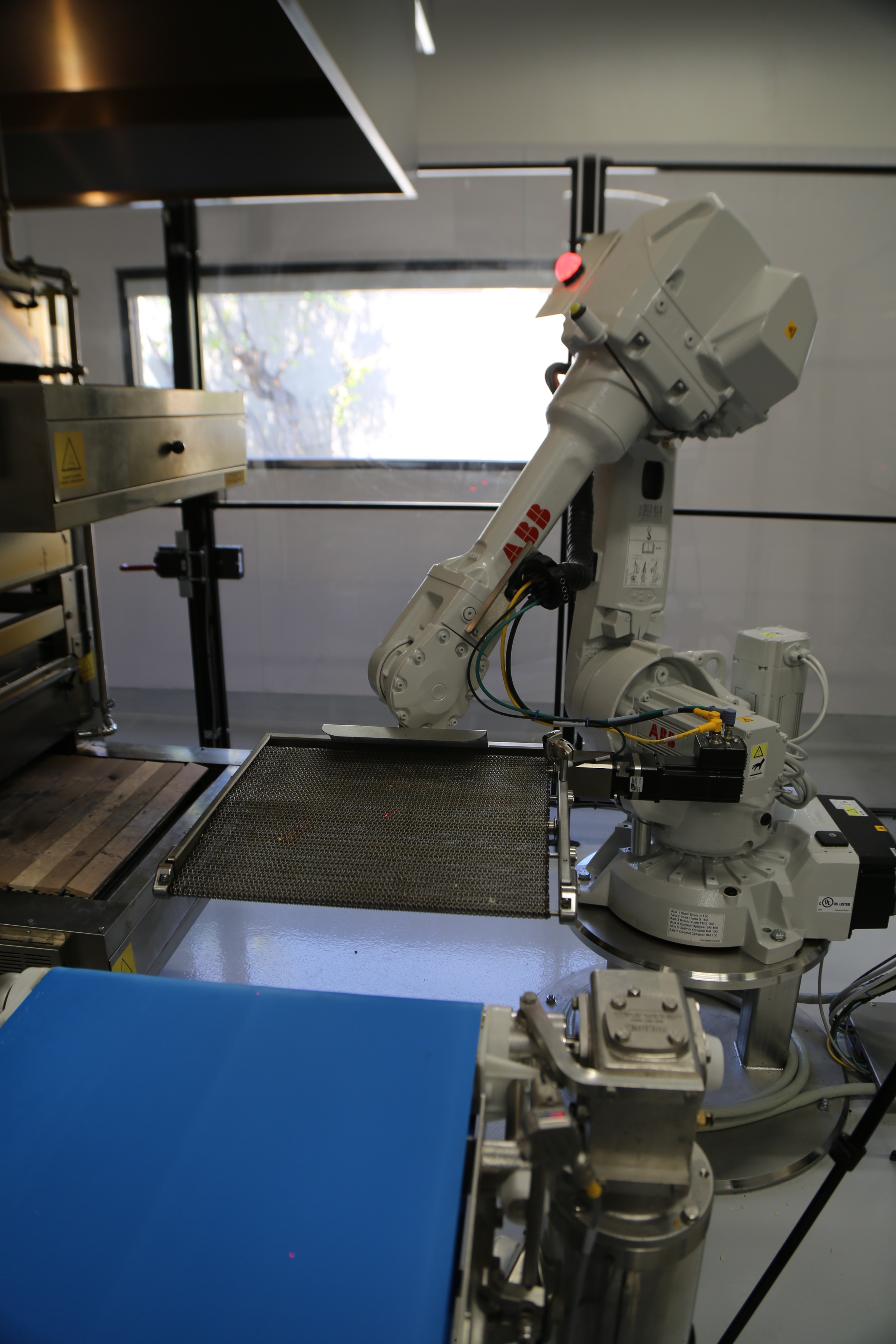 Robots And On Board Ovens Deliver On Zumes Promise Of Better Pizza