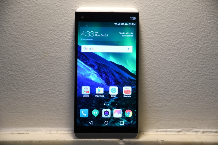"f31b2038341 The LG V20 is the immediate successor to the V10 — a smartphone that LG had  christened to be the first with a notification bar that was also a ""second  ..."