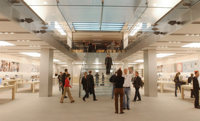 UNITED KINGDOM - NOVEMBER 18: The interior of the new Apple store seen on Regent Street in central London, Thursday November, 18, 2004. Apple's first retail store in Europe will open Saturday, November 20, 2004. (Photo by Andy Shaw/Bloomberg via Getty Images)