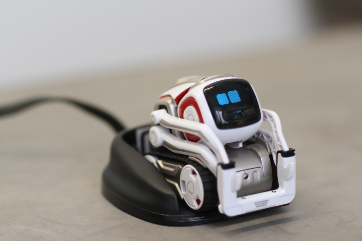 Anki S Cozmo Gets A Free Update Aimed At Helping Kids Learn To Code