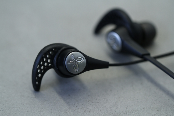 896b17e7c18 By Bluetooth headphone standards, JayBird's new X3 aren't very sexy.  Compared to the company's recently released Freedom earbuds, they're big  and bulky.