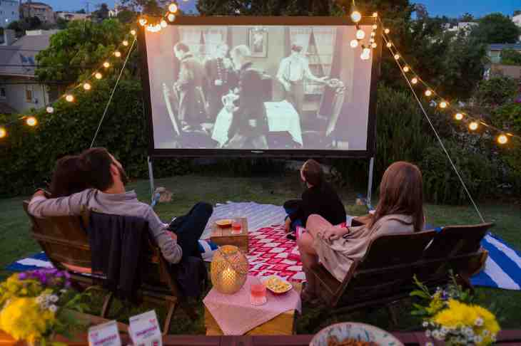 Joymode is a startup for people who want to do fun things like host a backyard  movie night or go on a camping trip — but don't necessarily want to buy all  ... - Klout's Joe Fernandez Is Back With Joymode, An Equipment Rental