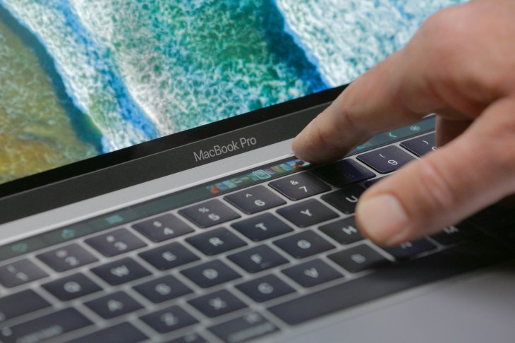 Touch Bar MacBook Pros are being banned from bar exams over