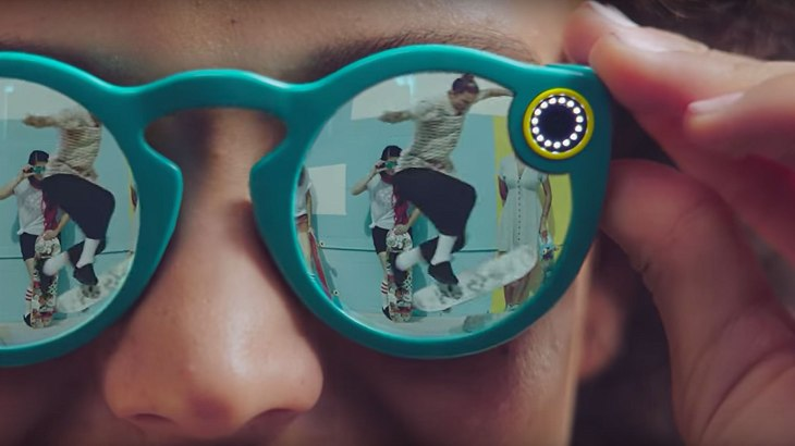 eab1bbd0b13 Snap is developing a second version of Spectacles which may include ...