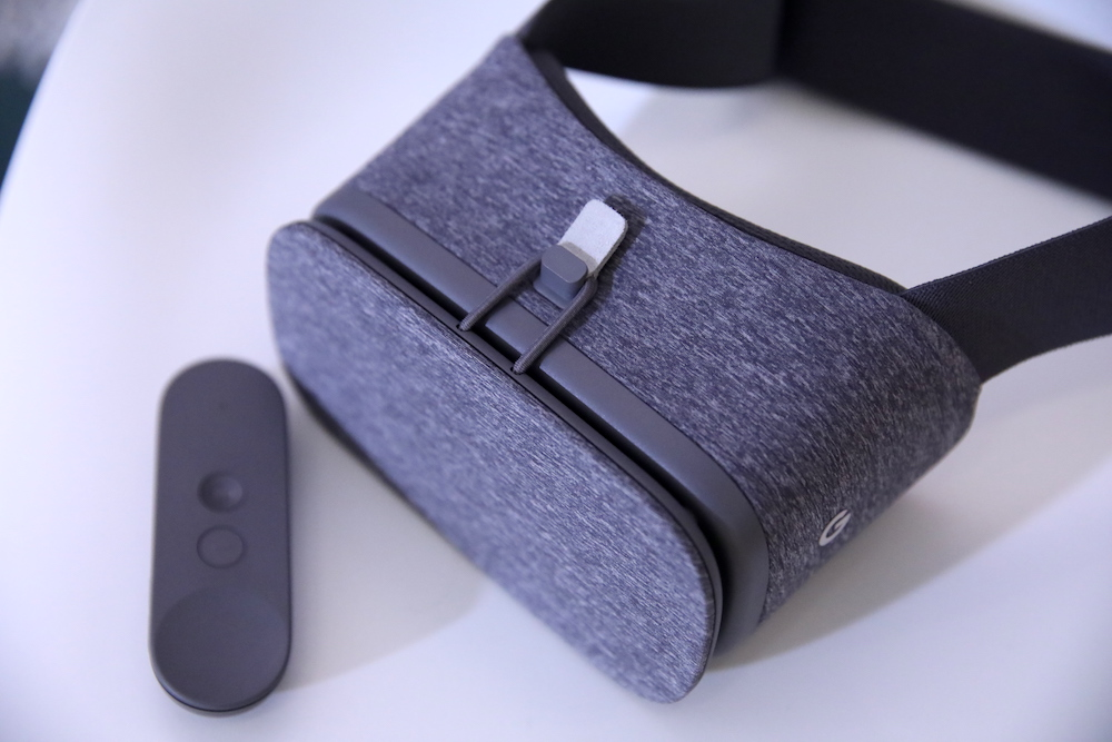 Android 11 officially drops Google Daydream VR support