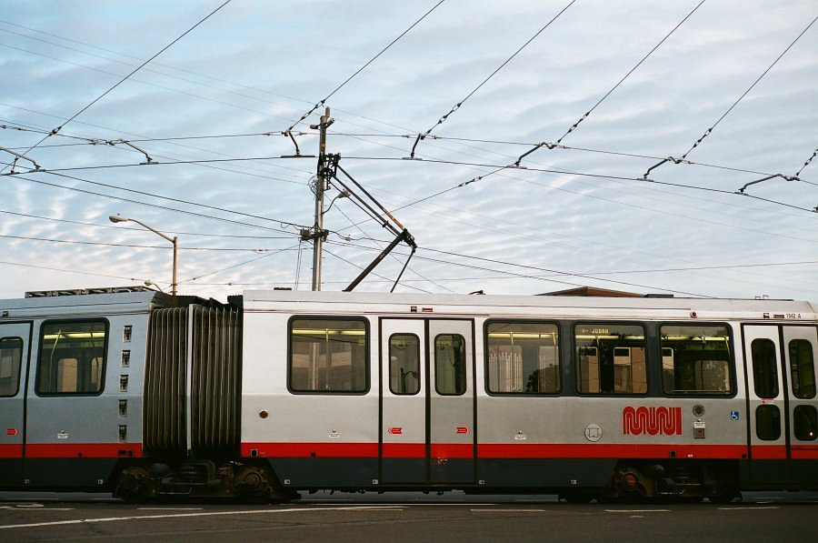 Apple-Pay-will-soon-work-on-BART-and-Muni