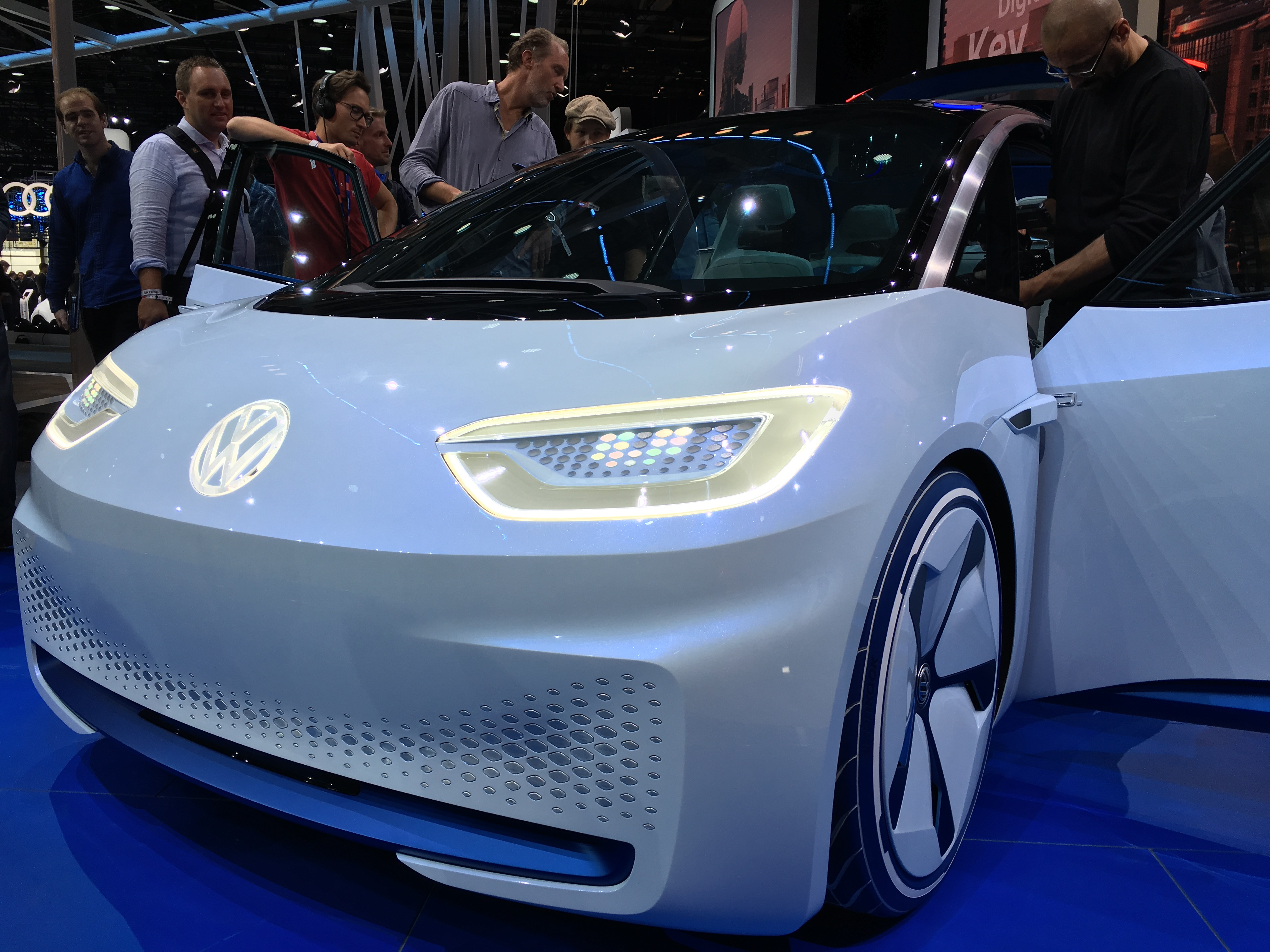 Volkswagen Budd E Electric Car K X likewise Volkswagen Jetta   Rodas Aro X further Maxresdefault together with Api Model Year Image also Volkswagen Jetta. on 2016 volkswagen jetta