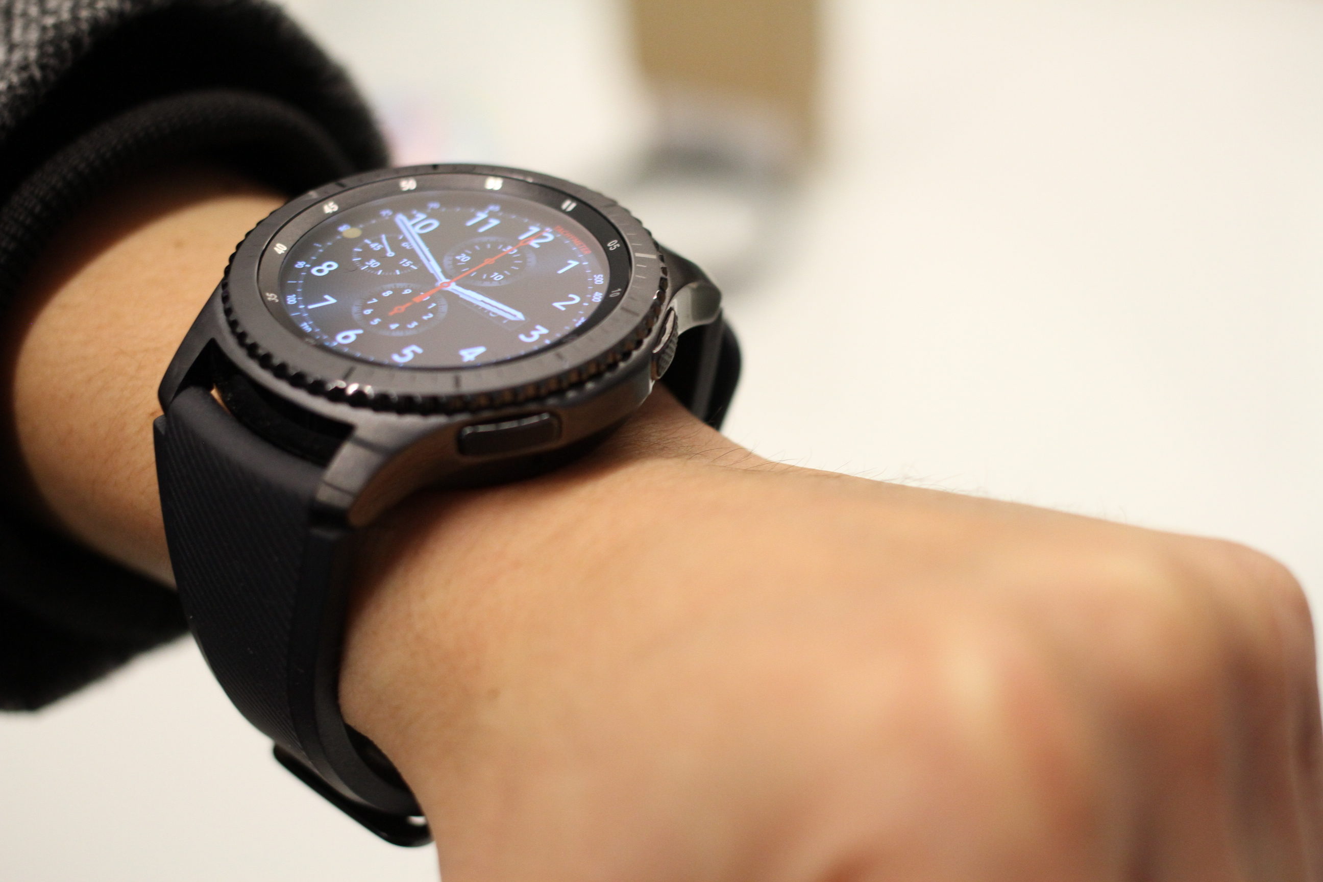Samsungs Gear S3 Goes A Little Too Big Techcrunch Samsung Frontier Double Side Strap Only Wheel Keep On Turning Img 0461 The