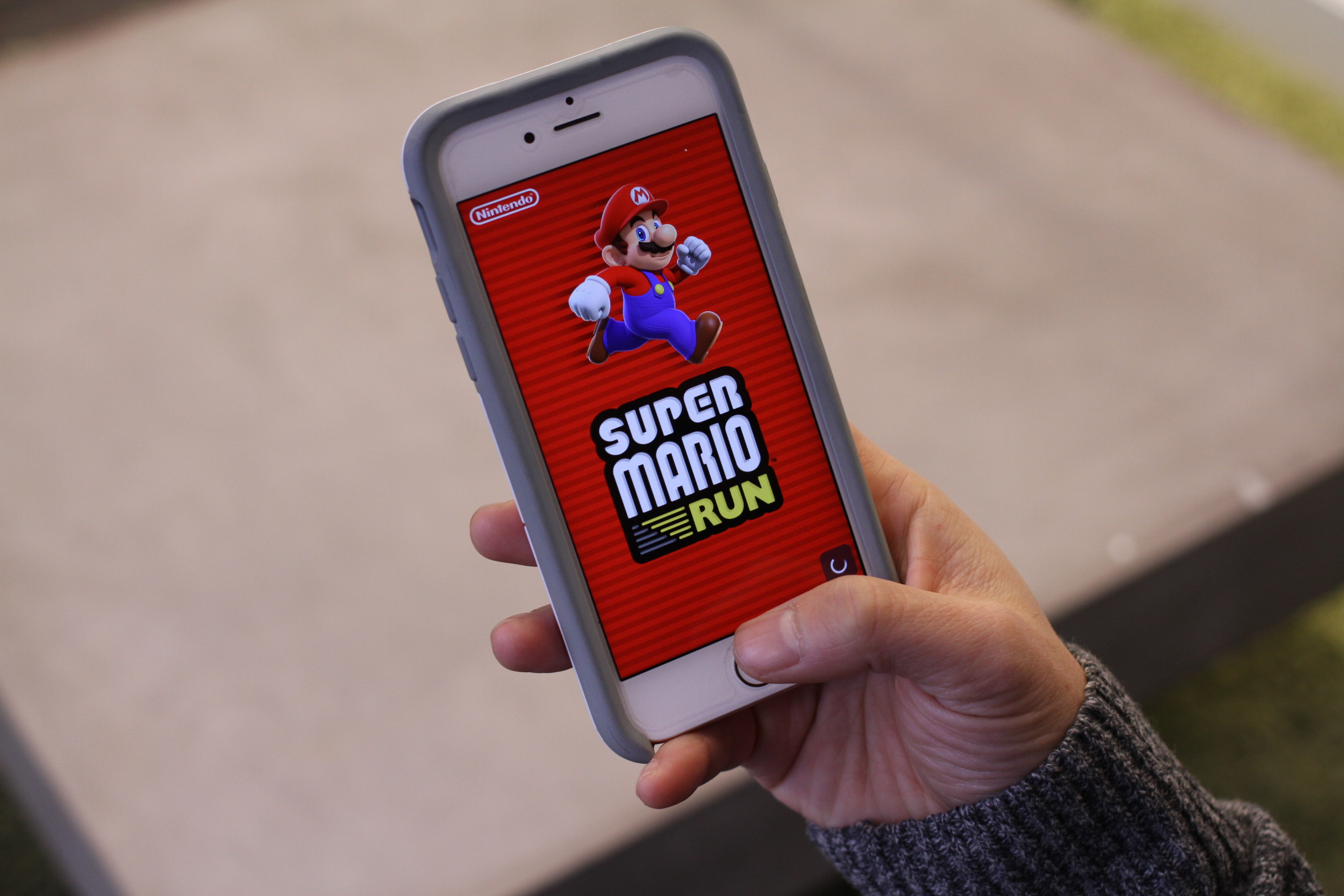 Super Mario Run is a hopeful glimpse of Nintendo's mobile ambitions