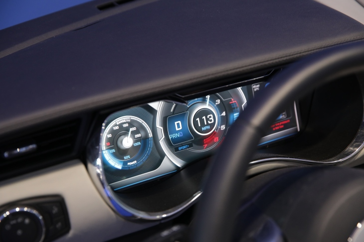 Delphis Multilayer Display Gives Your Car Dashboard Some Depth - Car display