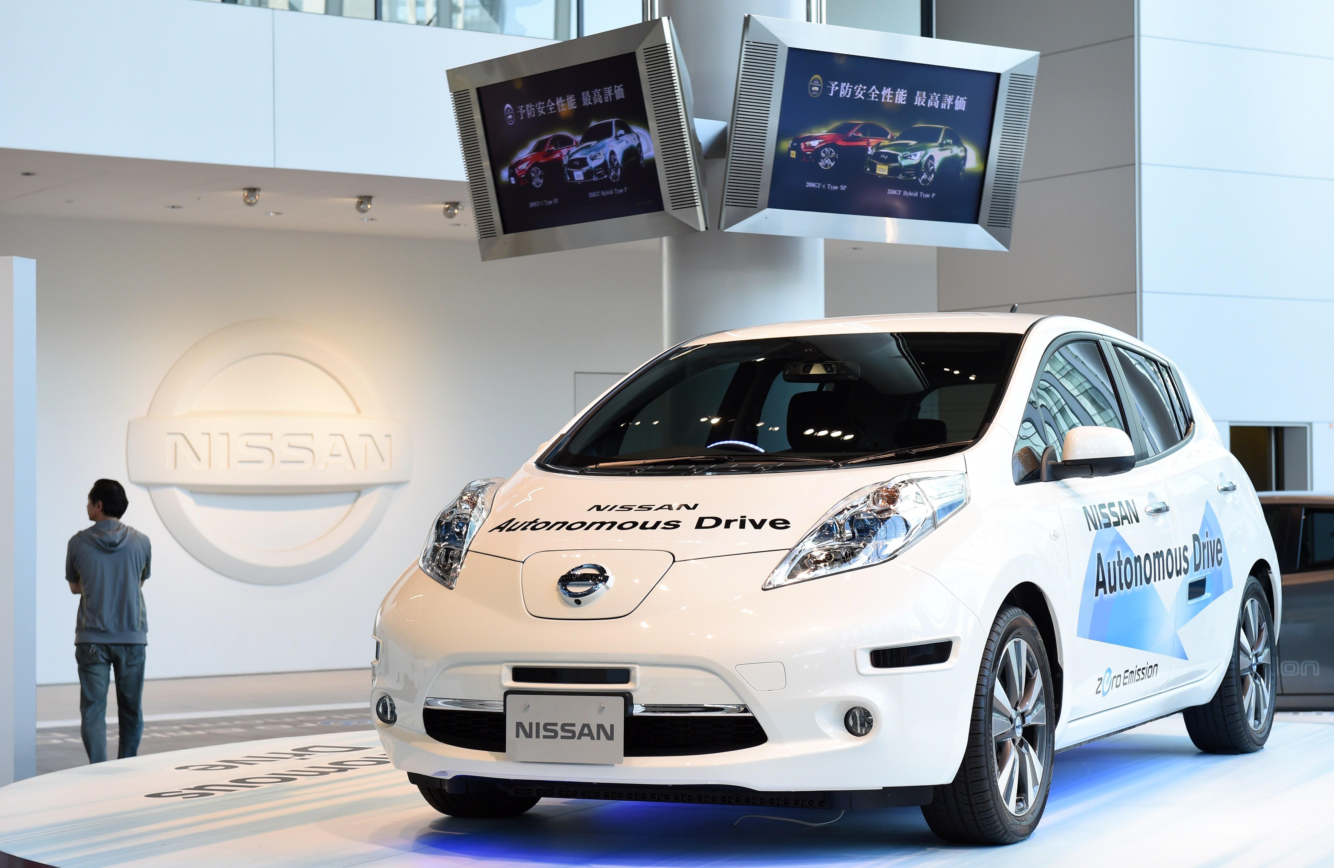 x josh volt electric nissan new tesla car chevrolet for model chevy leaf naias goldman vehicles trimmed
