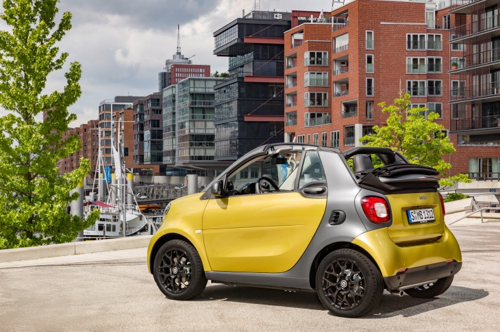The Adorable Little Smart Cars You See On North American Roads From Here Out Will Likely Be Primarily Electric As Company Has Decided To Cease S