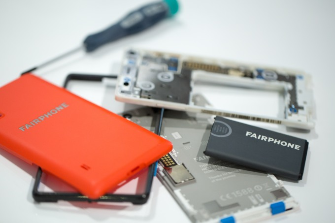 Can Fairphone 3 scale ethical consumer electronics? 1