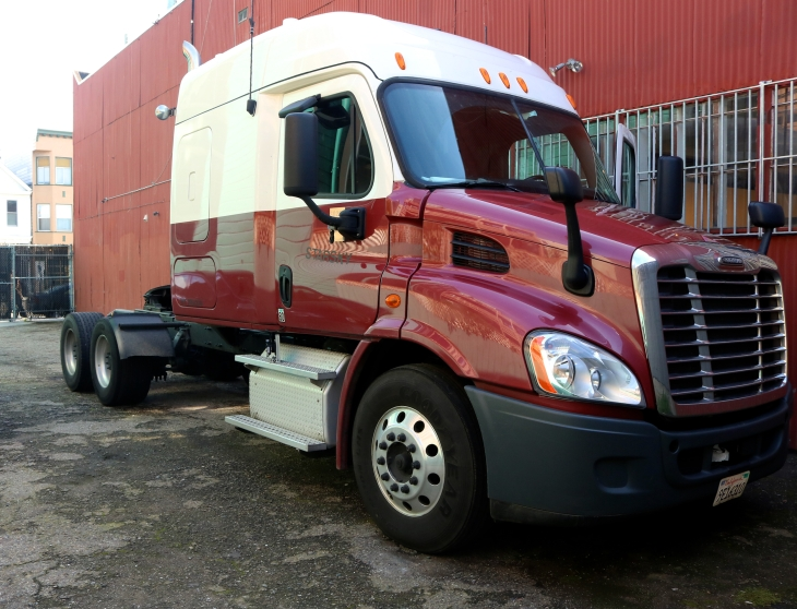 Starsky Robotics' autonomous transport trucks also give