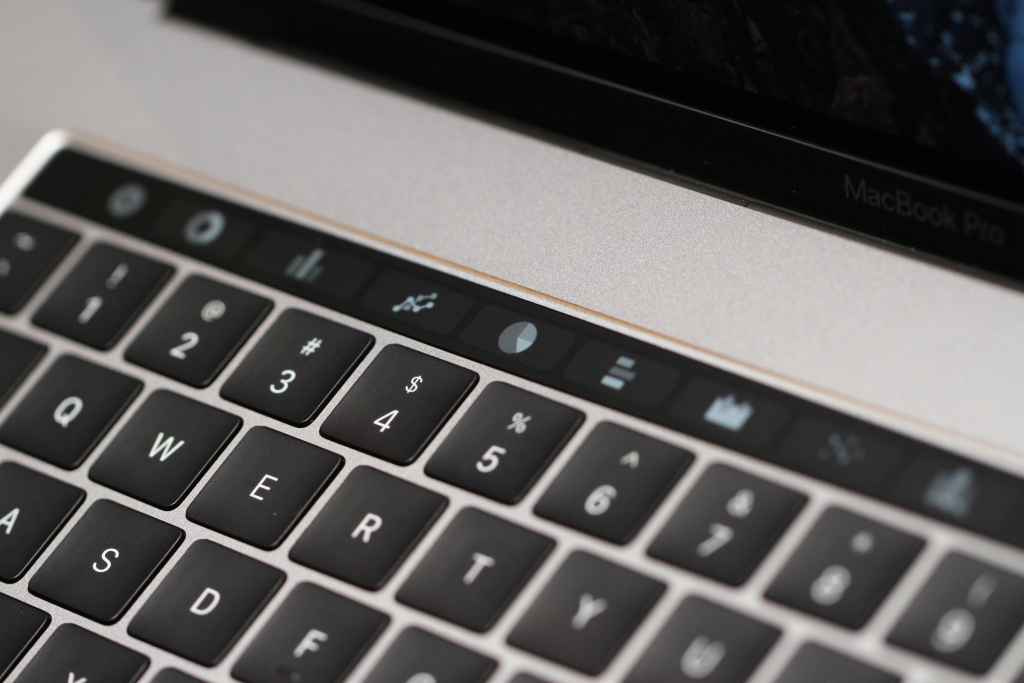 Apple Finally Admits to MacBook Keyboard Design Flaw