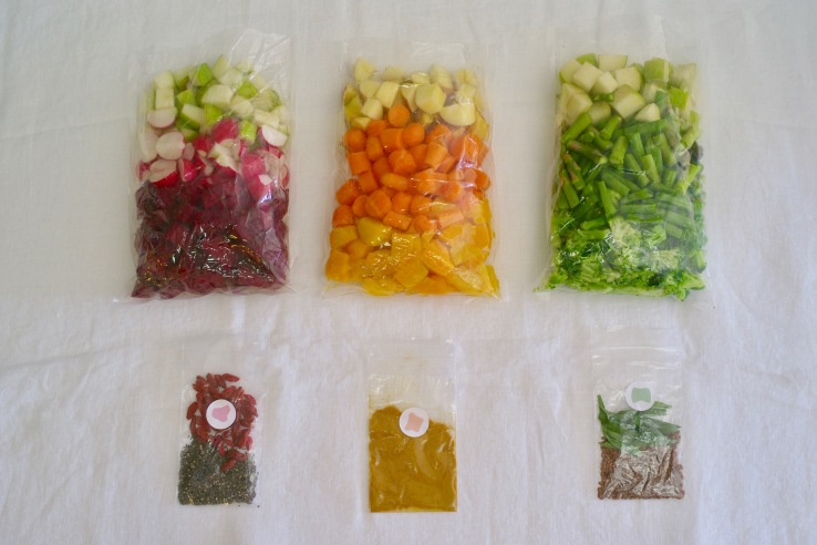 Thistle Baby sends pouches of organic ingredients ready to be blended or steamed at home to make baby food.