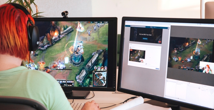 Facebook live adds pc game and desktop live streaming techcrunch facebook is taking a swing at twitch while also one upping its mobile live streaming video competitors today all users can go live directly from stopboris Images