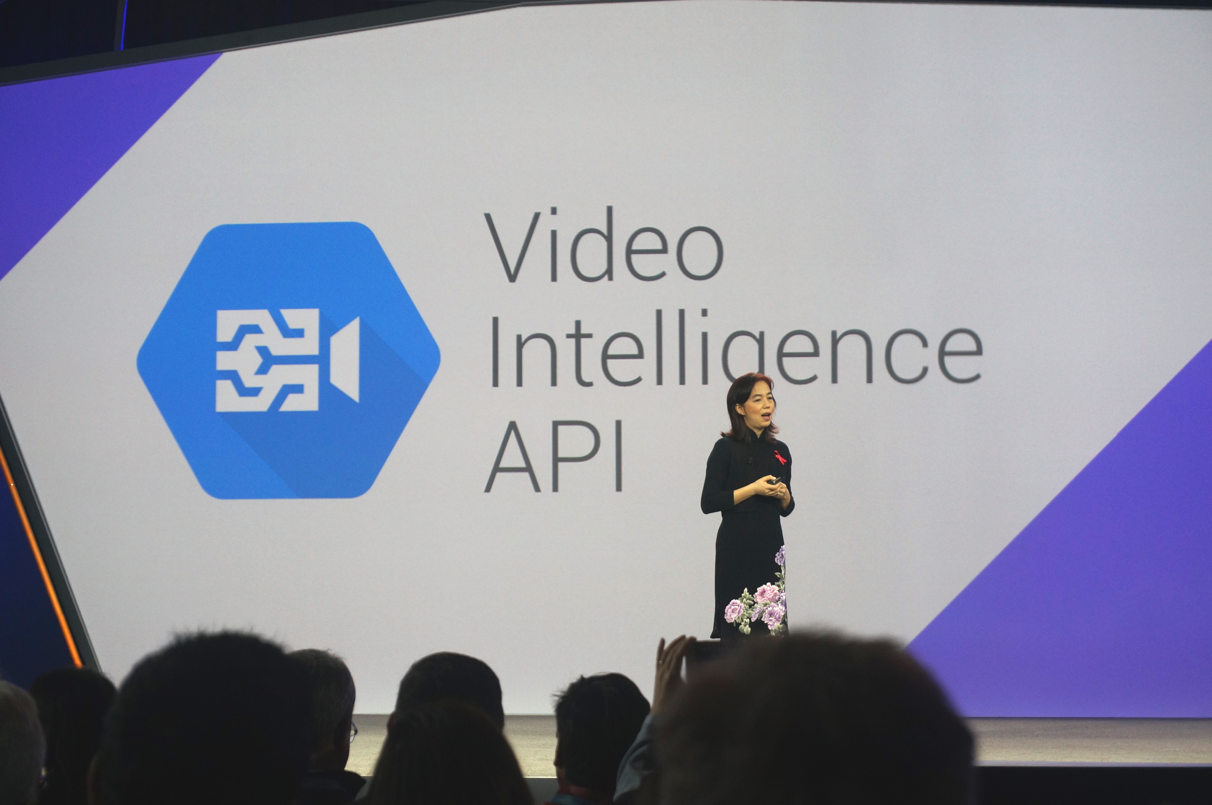 Google's new machine learning API recognizes objects in videos