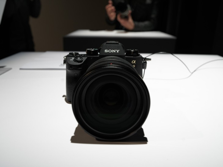 Sony debuts the new Alpha 9 mirrorless camera with 20fps continuous ...