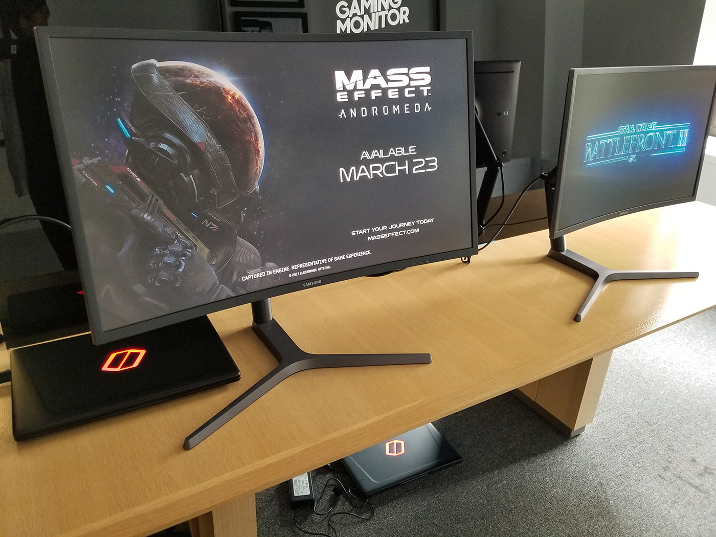 Samsung's new top-end curved gaming monitors are sporting