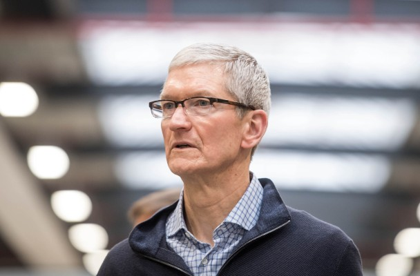 Apple Lowers Guidance on Q1 Results