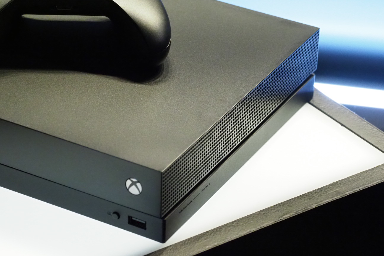 Take a first look at the Xbox One X hardware up close