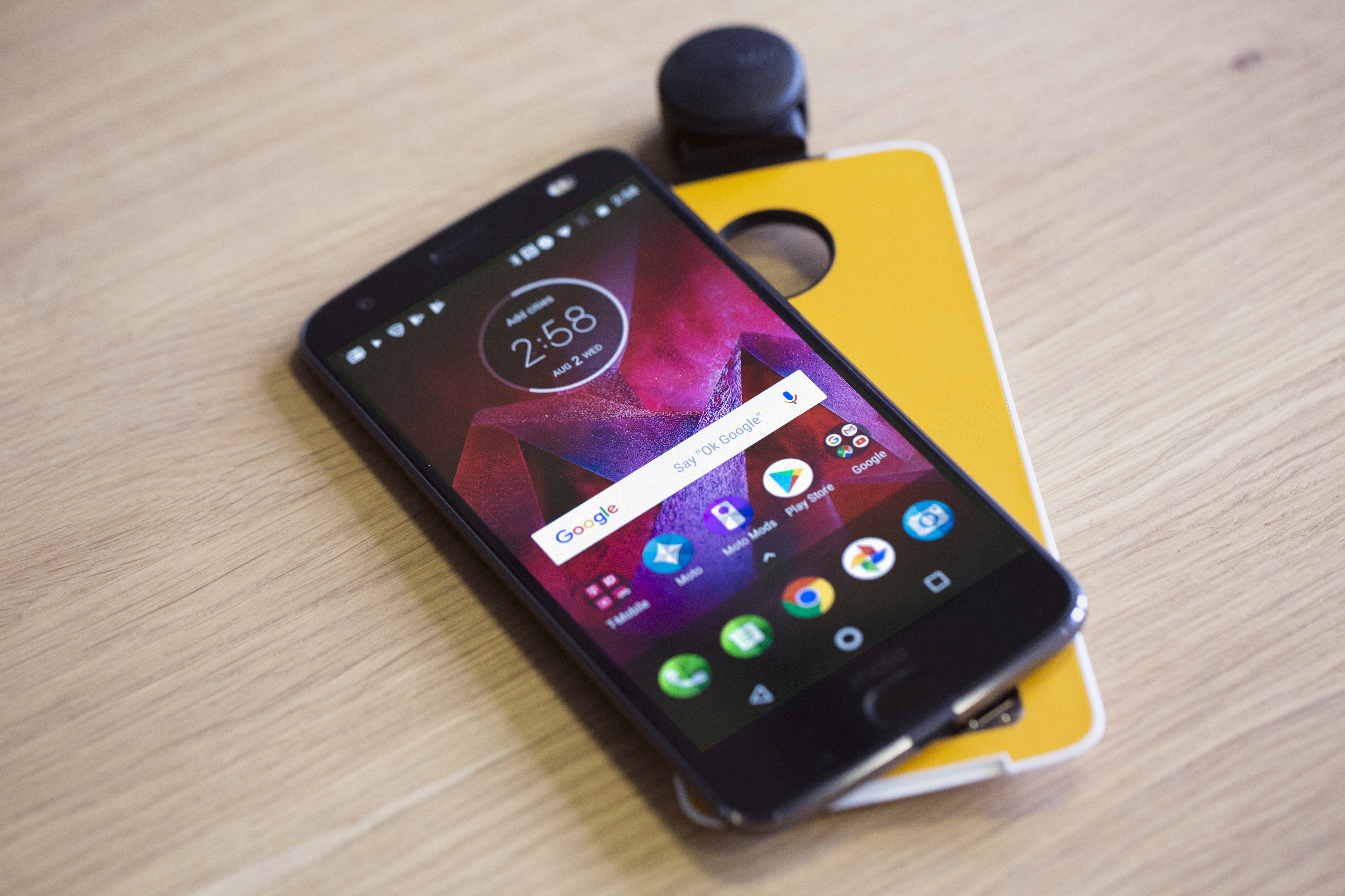 The Moto Z2 Force Edition makes sacrifices for the sake of modularity