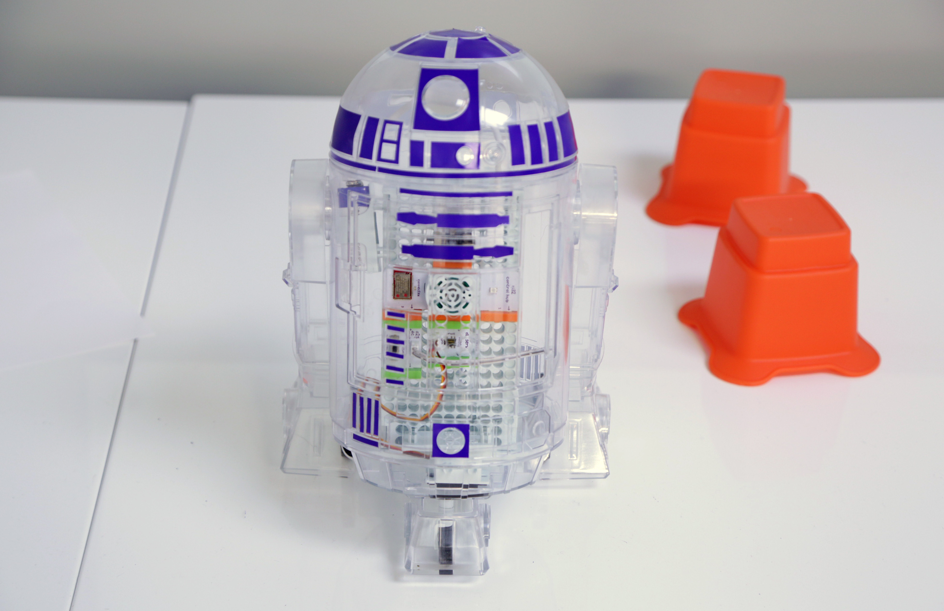 The Littlebits Droid Inventor Kit Lets You Build An R2 D2 Of Your Snap Circuits Space Battle It Was Founded Back In 2011 And Focuses On Introducing Kids To Electronics Circuitry By Way Modular Components That Together