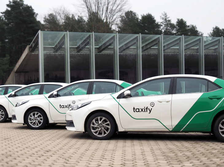Taxify is now live in Paris to compete with Uber, Chauffeur