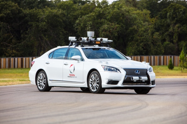 Toyota pauses automated driving testing on U.S. roads following Uber accident