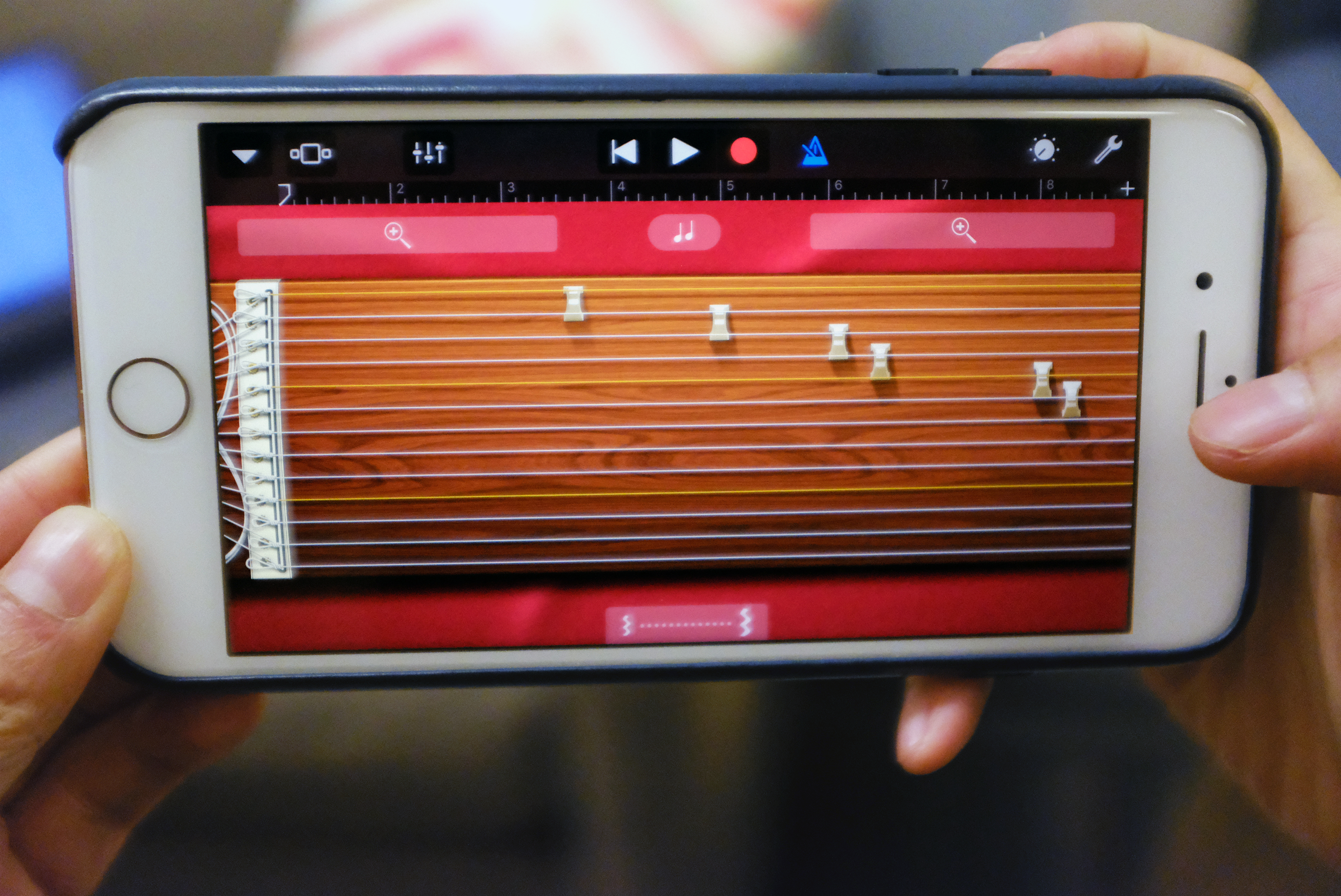 GarageBand for iOS gets an in-app instrument store and 80s