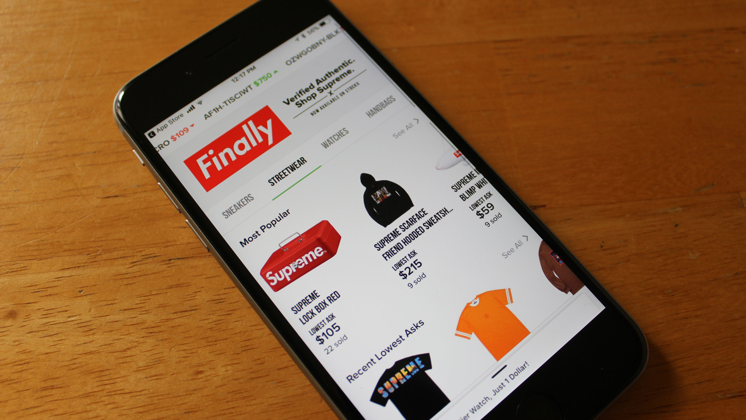 ef443803 StockX is adding a streetwear marketplace, starting with Supreme |  TechCrunch