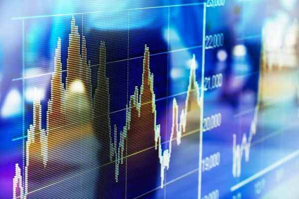 Stocks fall again on continued coronavirus worries thumbnail