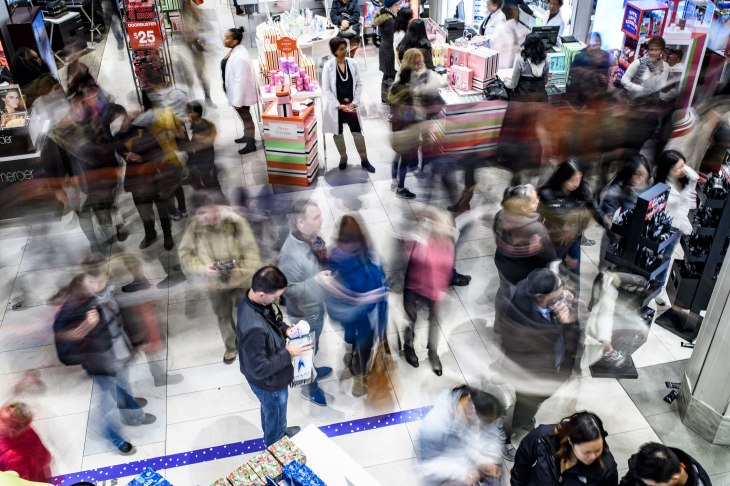 Black Friday Racks Up 503b In Online Sales 2b On Mobile