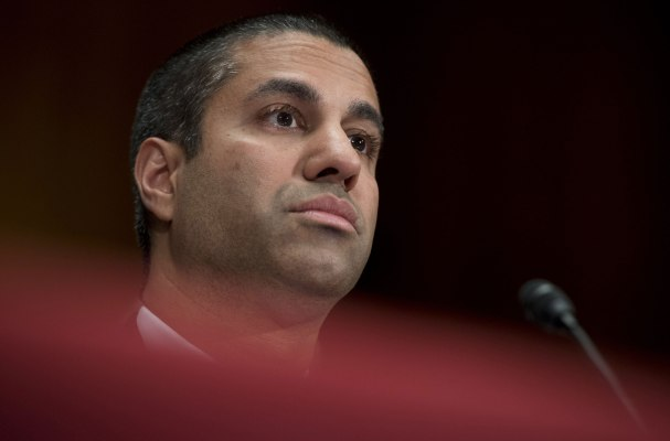 13 Congress members tell Pai to stop giving evasive answers about net neutrality